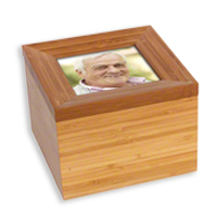 Click to view Tribute 43 solid ashes box